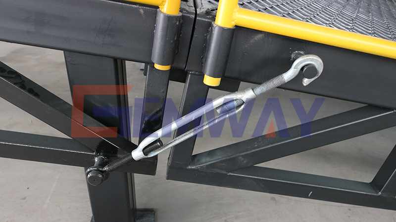 hook on container ramp