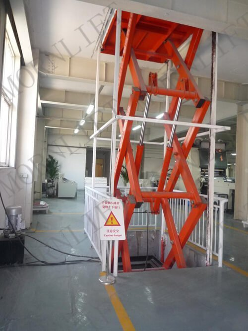 scissor cargo lift with guid rail