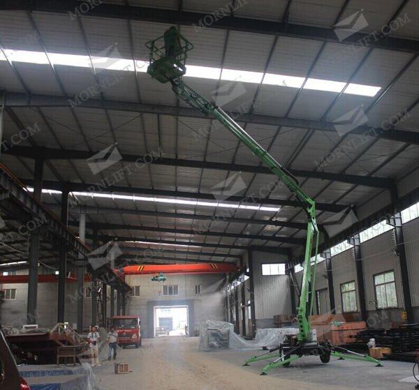 hydraulic trailing boom lift