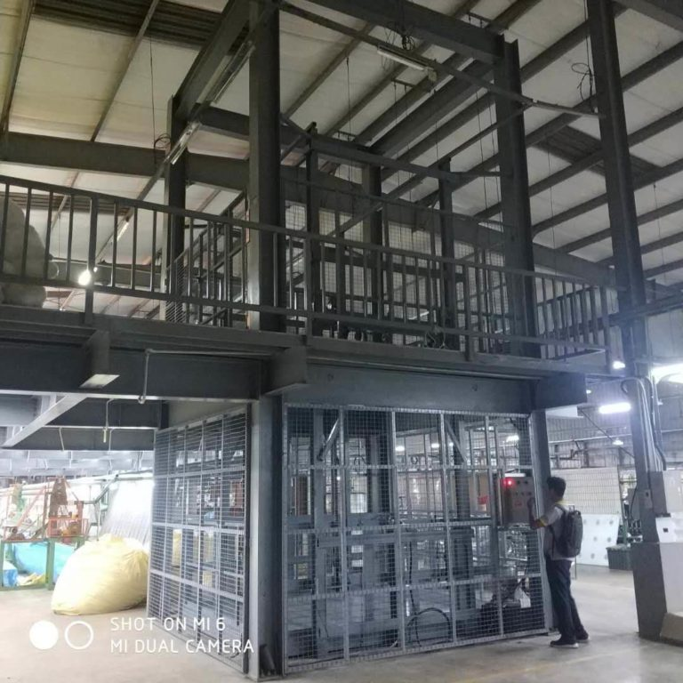 11 Features of hydraulic warehouse elevator