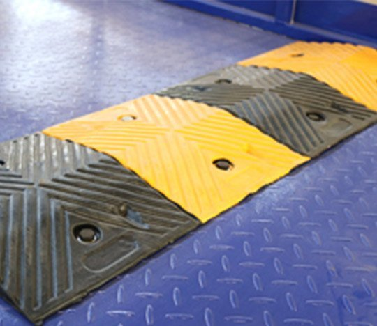 scissor car lift deceleration strip