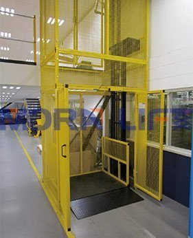 cargo lift with full mesh application