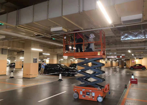 small scissor lift for indoor use9