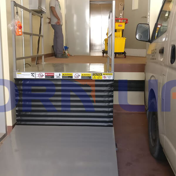 Customized hydraulic lift table installed in dubai