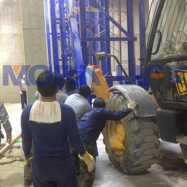 cargo lift in kuwait