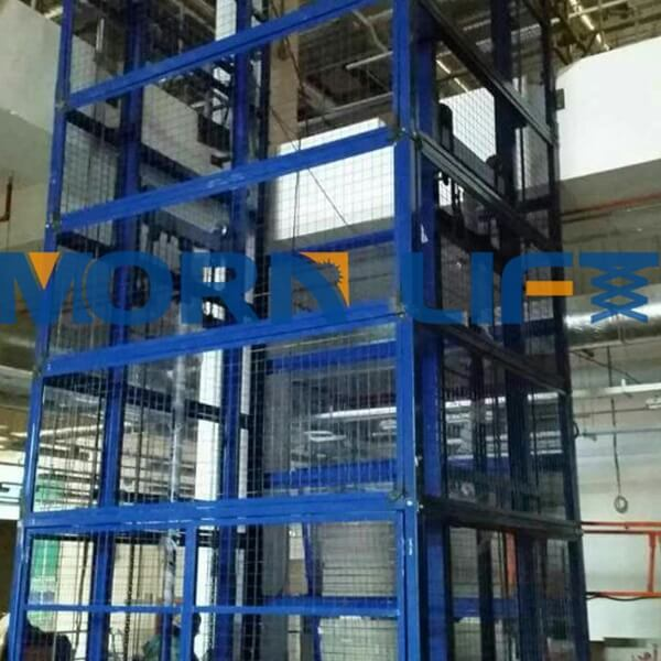 goods lift with full mesh
