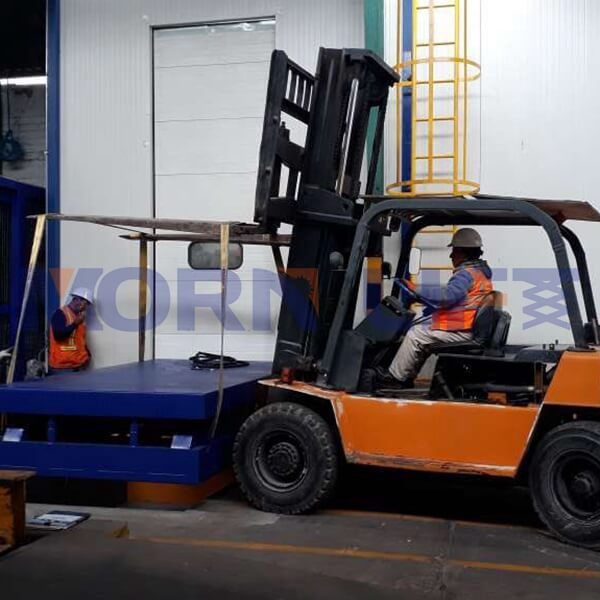 hydraulic lift table install in peru