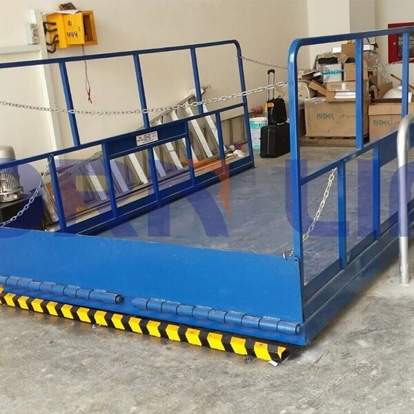 hydraulic scissor lift in singa