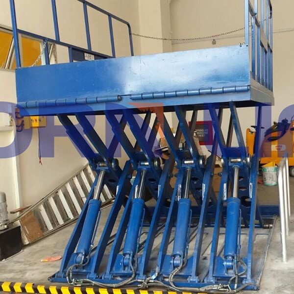 hydraulic scissor lift in singapore