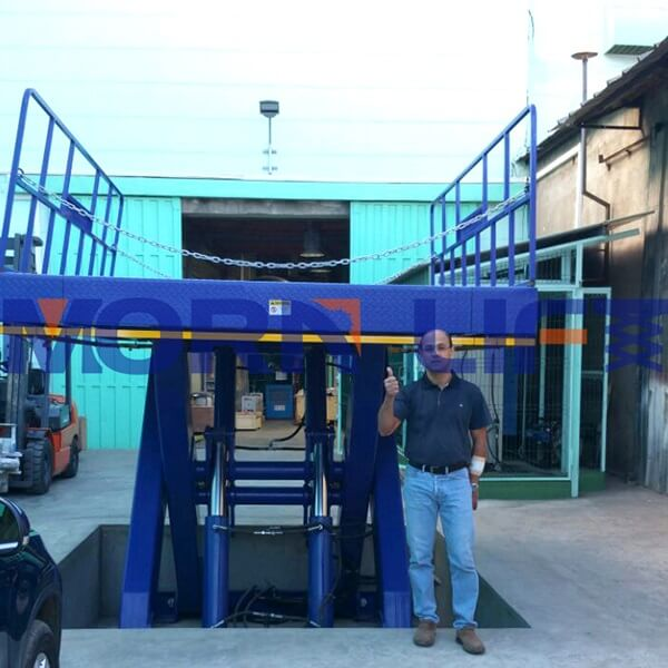 hydraulic sicssor lift in Madagascar