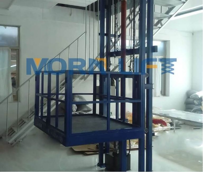 How better to use warehouse goods lift correctly