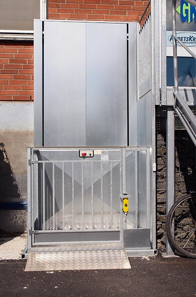 veritical platform lift