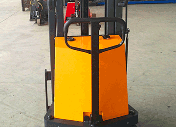 HYDRAULIC STACKER 2