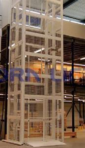 hydraulic-cargo-lift 10