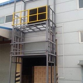 cargo lift with four post project - MORN LIFT